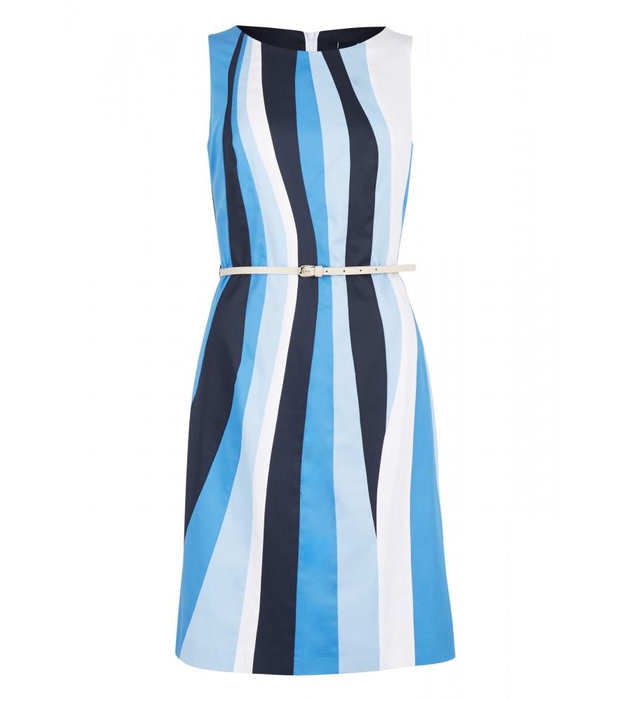 Kleid im Wellen-Design - Ein Must-Have für die kommende Saison ist dieses moderne Kleid mit Wellen- Design von Daniel Hechter. Seinen feminin-eleganten Look erhält es durch das modische Muster in Kombination mit dem schlichten Schnitt. Taillennähte und ein schmaler Gürtel sorgen für eine schöne Silhouette. Das angenehm leichte Material aus Baumwollsatin bietet höchsten Tragekomfort.