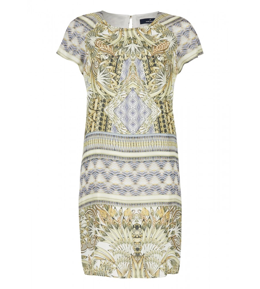 Trendiges Kleid aus reiner Seide - Dieses Kleid von Daniel Hechter ist ein Must-Have für die kommende Saison. Es besticht durch das luxuriöse Material aus 100% feinster Seide in Kombination mit dem exotischen Muster. Das Design wird abgerundet durch den femininen Rundhalsausschnitt und den Rei�verschluss am Rücken.