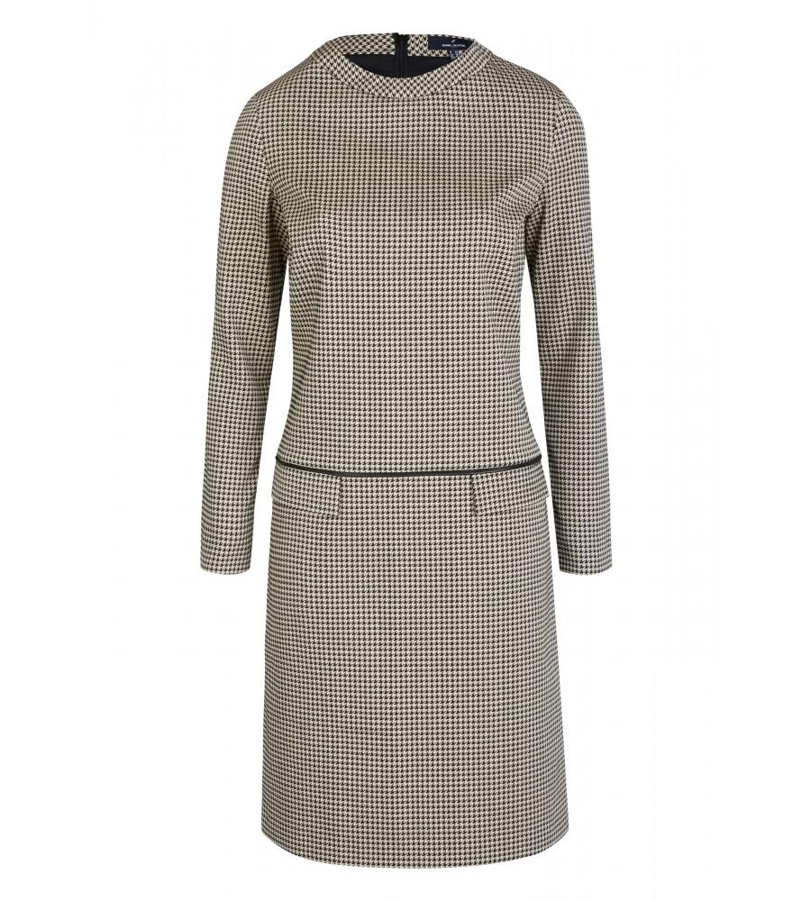 Trendiges Kleid mit grafischem Muster - Dieses trendige Kleid lässt mühelos einen edel-stilvollen Look entstehen. Durch das grafische Muster, den kleinen Rundhalsausschnitt und die zwei Taschen vorne verfügt es über eine moderne Optik. Die Ziernaht sorgt für eine feminine Silhouette. Durch das Material aus hochwertigem Material-Mix sich das Kleid sehr angenehm.