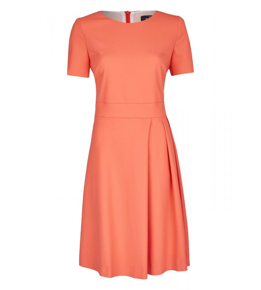 Modernes Kleid mit Ziernähten für eine schöne Silhouette - Mit diesem modernen Kleid von Daniel Hechter sind Sie für festliche Anlässe perfekt ausgestattet. Der feminine Look entsteht durch die Ziernähte, die für eine schöne Silhouette sorgen, die raffinierte Faltenlegung am Rockteil und den Rundhalsausschnitt. Das Kleid lässt sich über einen Rei�verschluss am Rücken verschlie�en.