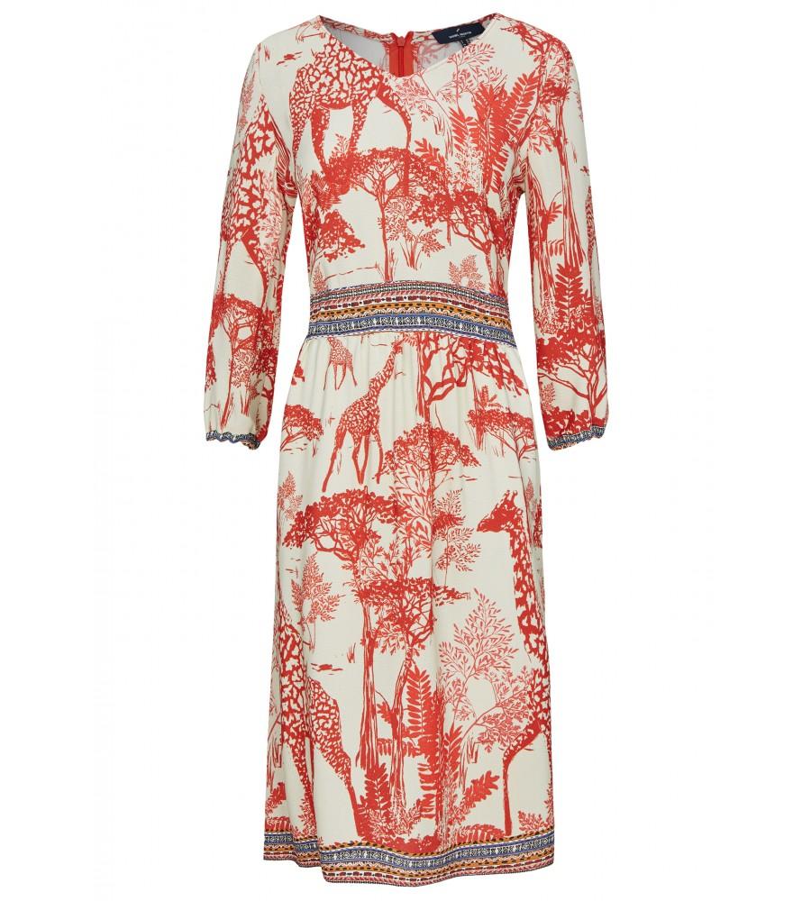 Sommerliches Kleid mit afrikanischem Print - Dieses feminin geschnittene Kleid von Daniel Hechter ist der ideale Begleiter für den Sommer. Es begeistert mit seinem femininen V-Ausschnitt, dem afrikanischen Print sowie Ethno-Elementen an Taille und Bund. Der Stoff ist sommerlich leicht.
