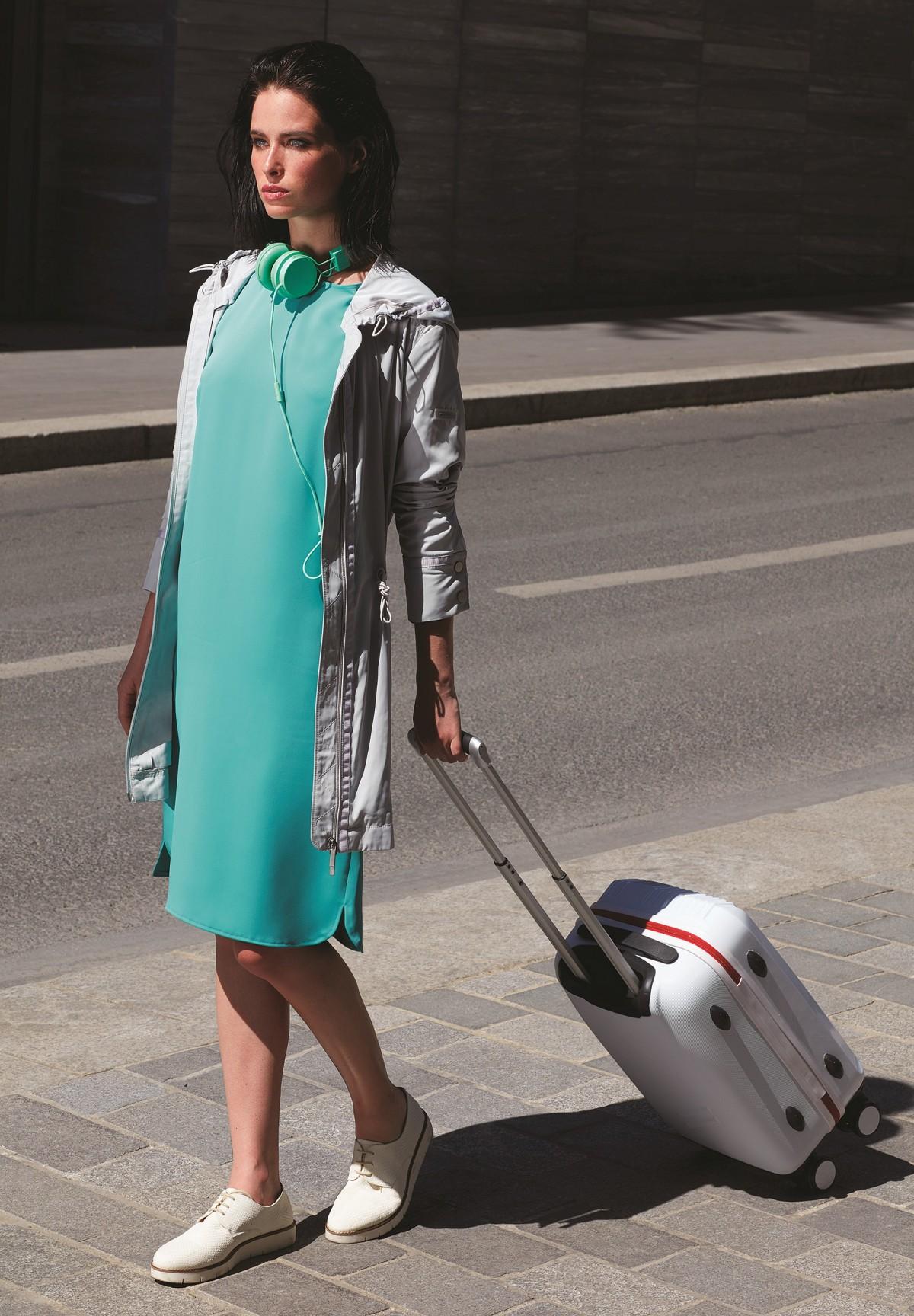 Modischer Mantel mit Gummizug an der Taille / Parka