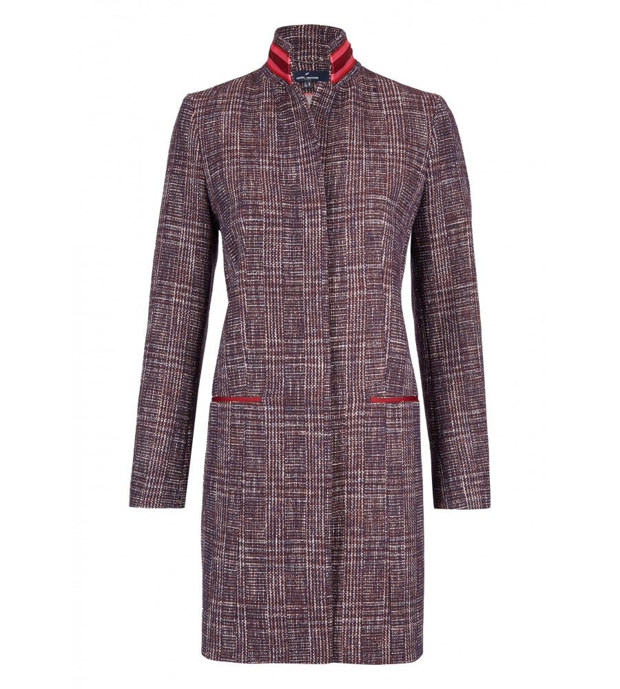 Modischer Mantel - Der modische Mantel von Daniel Hechter ist ein stilvoller Winterbegleiter. Er begeistert mit seinem schönen Karo-Muster, dem geraden Schnitt und Kontrast-Lederapplikationen am Kragen und den Einschubtaschen. Der Mantel verfügt über einen verdeckten Rei�verschluss und zwei Einschubtaschen vorne.