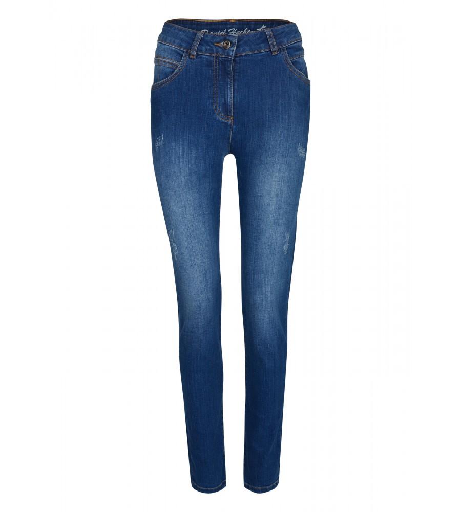 Bequeme Jeans im 5 Pocket-Style - Die Jeans von Daniel Hechter begeistert mit ihrem klassischen 5-Pocket-Schnitt und der modischen Waschung. Dank hochwertigem Baumwollstoff mit Stretch-Anteil verfügt sie über hervorragende Trageeigenschaften.