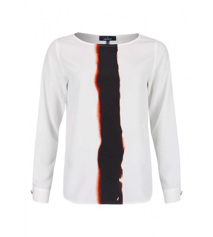 Bluse mit Farbverlauf - Lassen Sie diese Bluse von Daniel Hechter zum Highlight Ihres Business-Looks werden! Die Bluse besticht mit dem trendigen Farbverlauf auf der Vorderseite. Sie besteht aus hochwertiger Kunstfaser, die einen hohen Tragekomfort verspricht, und lässt sich ebenfalls toll zu Jeans-Looks kombinieren.