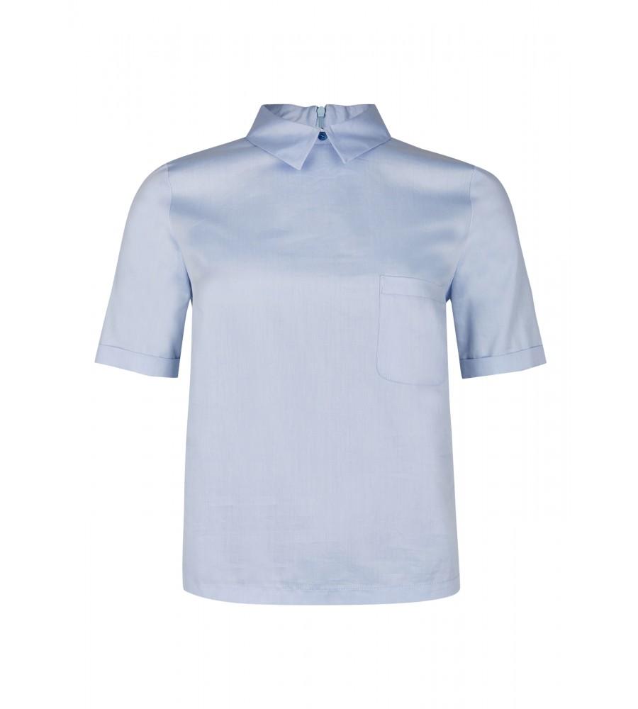 Artikel klicken und genauer betrachten! - Dieses Shirt von Daniel Hechter ist ein idealer Kombinationspartner für Business- und Freizeitoutfits. Es präsentiert sich mit einer Brusttasche und kurzen Ärmeln. Als besonderes Detail verfügt es über einen Reißverschluss am Rücken. Das Shirt besteht aus reinster, hautsympathischer Baumwolle, die eine perfekte Passform, Formstabilität und einen tollen Tragekomfort verspricht. | im Online Shop kaufen