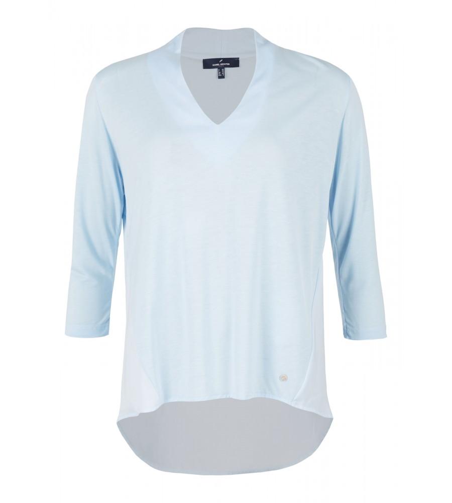 Shirt mit tiefem V-Ausschnitt - Der perfekte Sommer-Begleiter fürs Büro ist dieses hübsche Shirt von Daniel Hechter. Es besteht aus Lyocell, das durch Kontraste aus Chiffon modisch aufgewertet wird. Ein tiefer V-Ausschnitt und das sportive Design erschaffen einen interessanten Kontrast, der sehr vielseitig kombinierbar ist.
