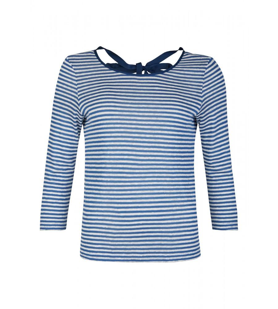 Maritimes Shirt mit Schleife am Rücken - Dieses Shirt von Daniel Hechter ist ein toller Kombipartner für Frühling und Sommer. Es präsentiert sich mit einem maritimen Streifen-Muster und hübschen Schleifendetails am Rücken. Das Shirt besteht aus Viskose mit Leinen-Anteil, die eine perfekte Passform, Formstabilität und einen tollen Tragekomfort verspricht.