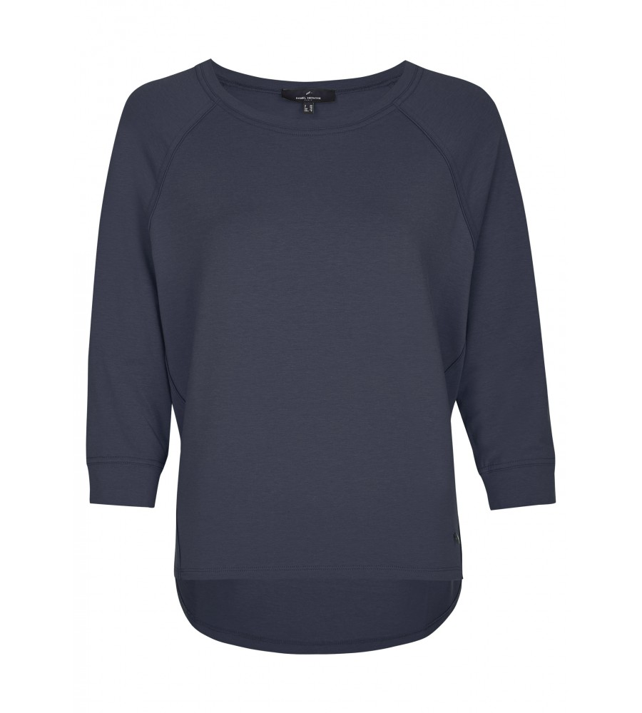 Casual Jersey-Shirt - Das casual Jersey-Shirt ist ein idealer Begleiter für Freizeit-Outfits. Es begeistert mit der lässig-trendigen Kastenform, überschnittenen Schultern und abgesetzten Nähten. Das Shirt besteht aus einem hochwertigen Lyocell-Mix, der hohen Tragekomfort verspricht.