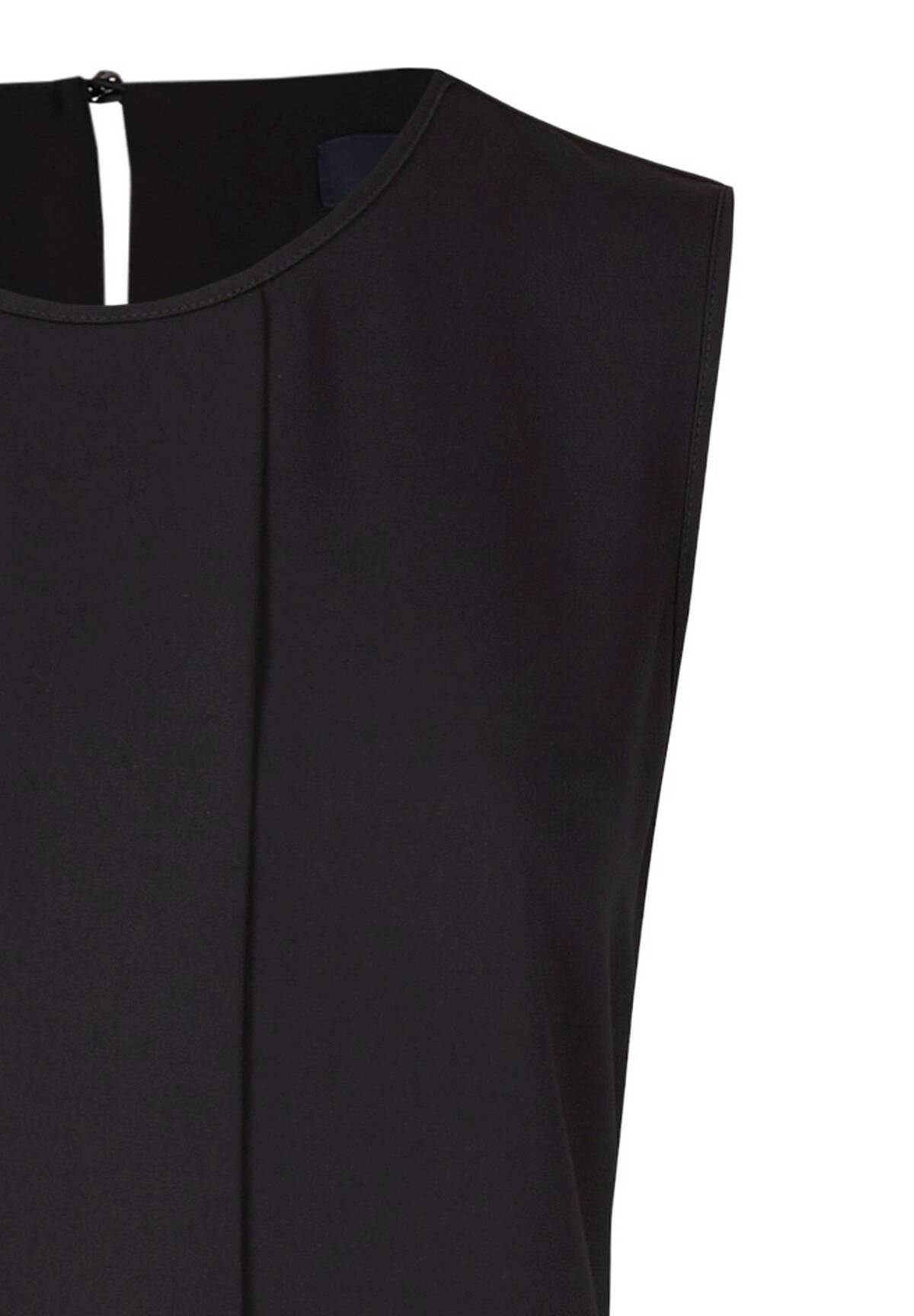 Modisches Kleid mit kleinem Rundhalskragen / Dress