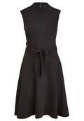 Modisches Kleid