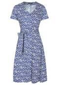 Sommerliches Kleid mit frischem Blumenmuster