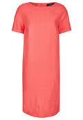 Sommerliches Kleid im schlichten Design