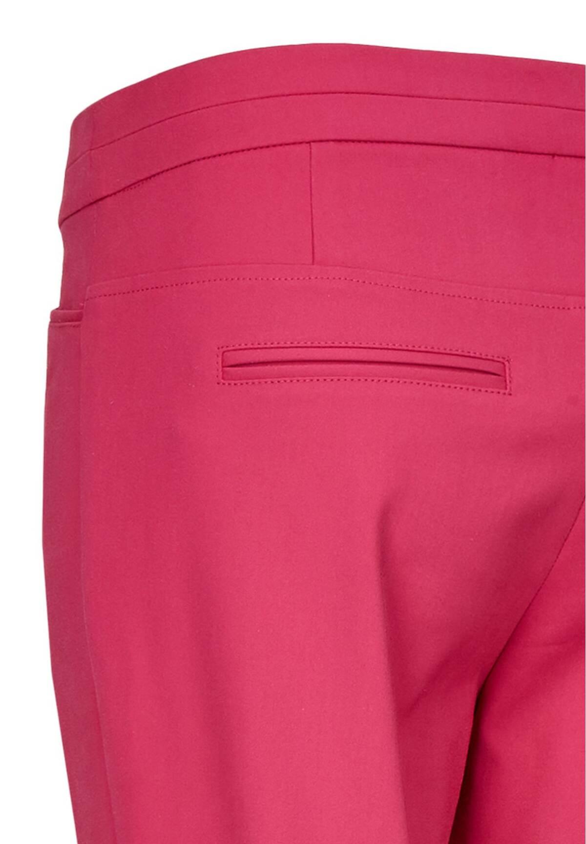Modische Hose im sommerlichen Design / Tailored Pants